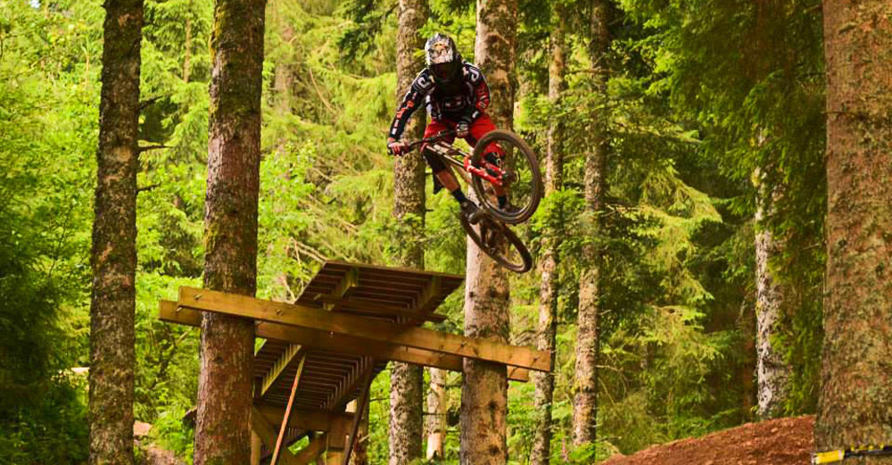 D-GUYZ | Riders Collective