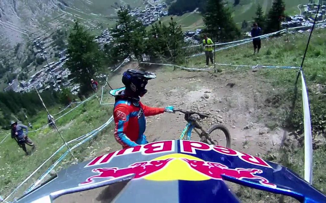 CONTOUR MTB Val d'Isere France Worldcup 2012 Course Preview from Steve Smith and a Crash