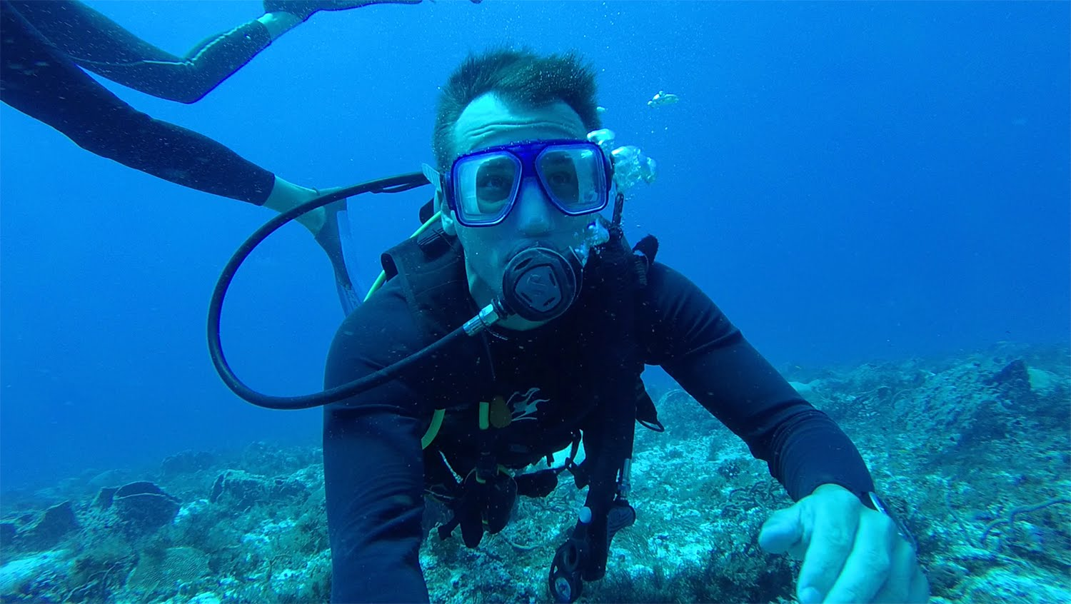 Garmin VIRB XE: Scuba Diving with Pete McLeod
