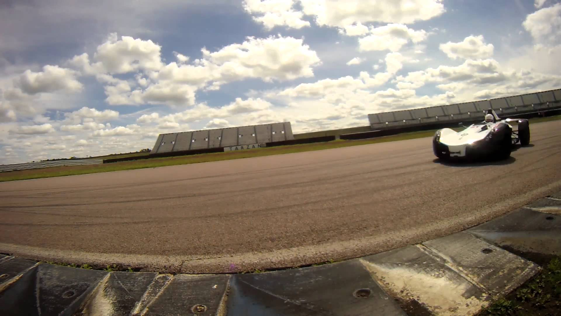 On Track with the BAC Mono – Drift HD Action Camera