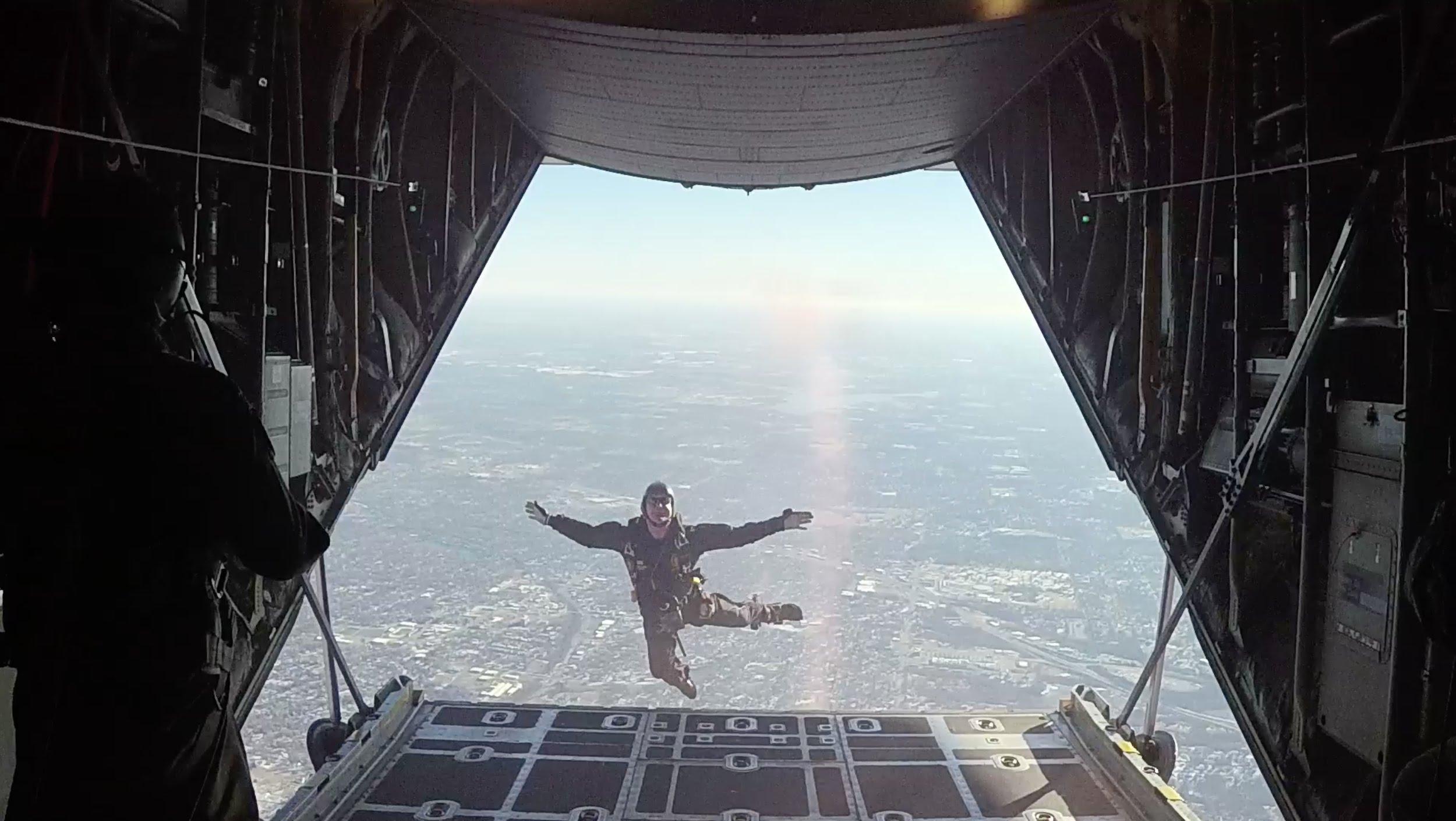 Garmin VIRB XE: Para Commandos Sky Dive